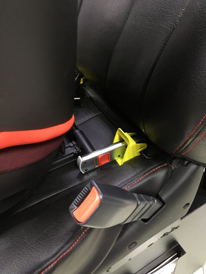 Автокресло CYBEX SOLUTION M-FIX SL/FERRARI ISOFIX (15-36 кг)